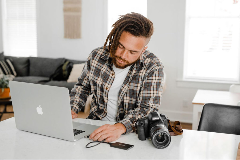 PhotoUp Why to outsource your real estate photo editing real estate photographer
