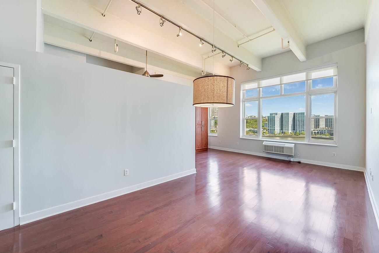 real estate empty room
